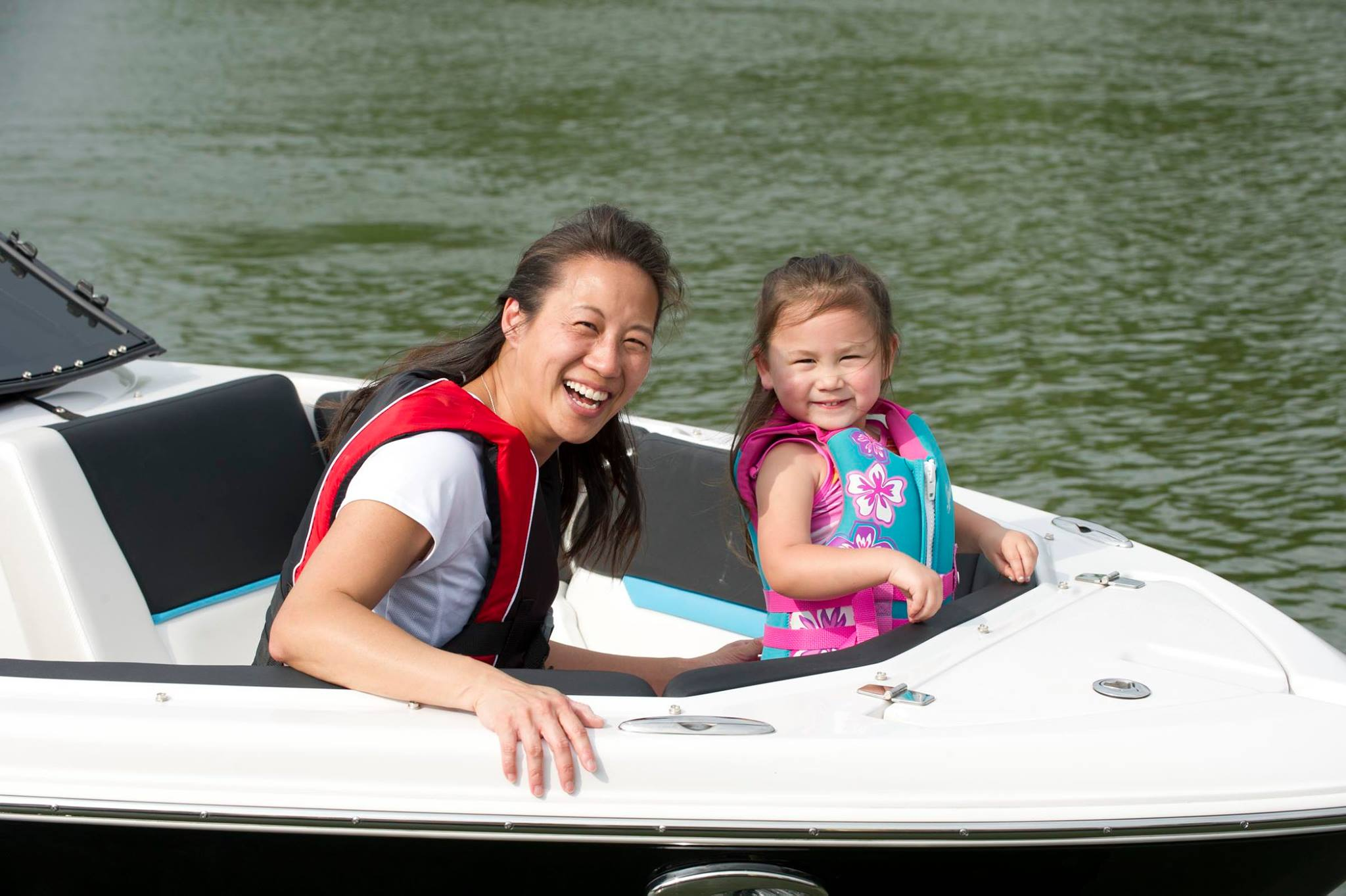 Everyone on your boat should wear a life jacket.