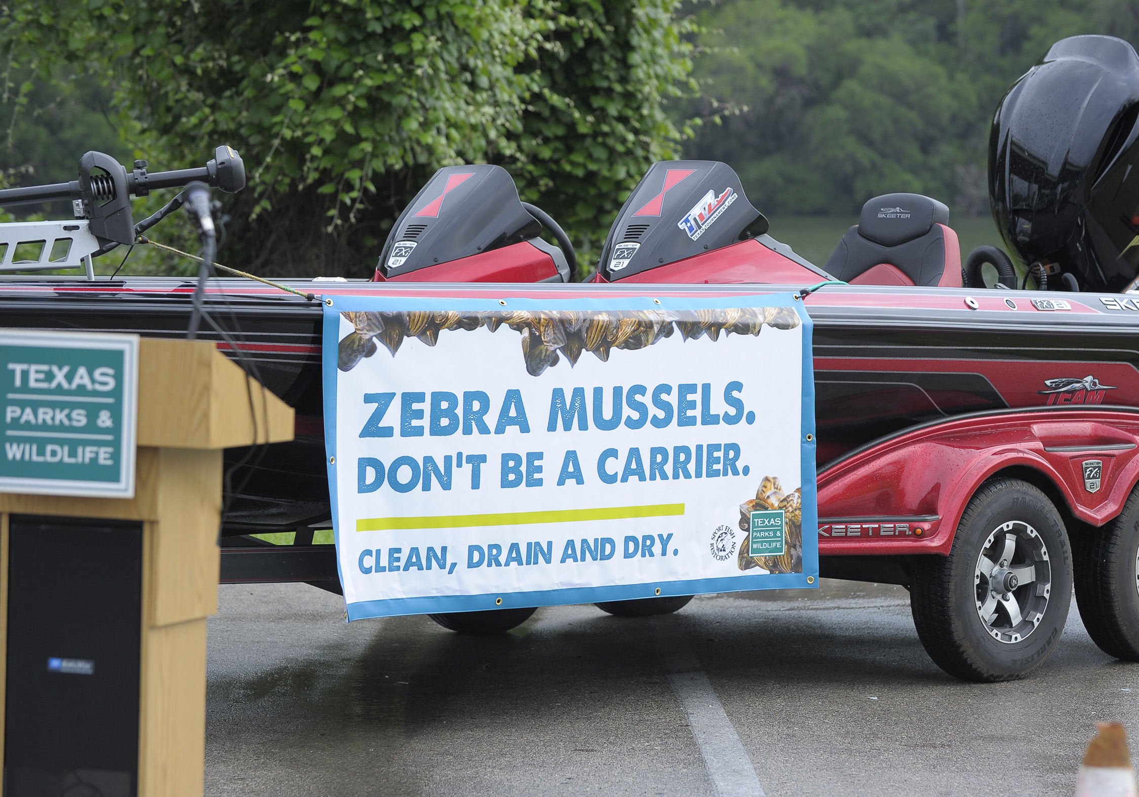 Clean, drain and dry your boats to prevent the spread of zebra mussels.