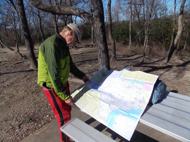 Eisenhower State Park gets visit from 72-year-pld Dave Roberts,  walking across Texas - Image: Herald Democrat - Sherman, TX