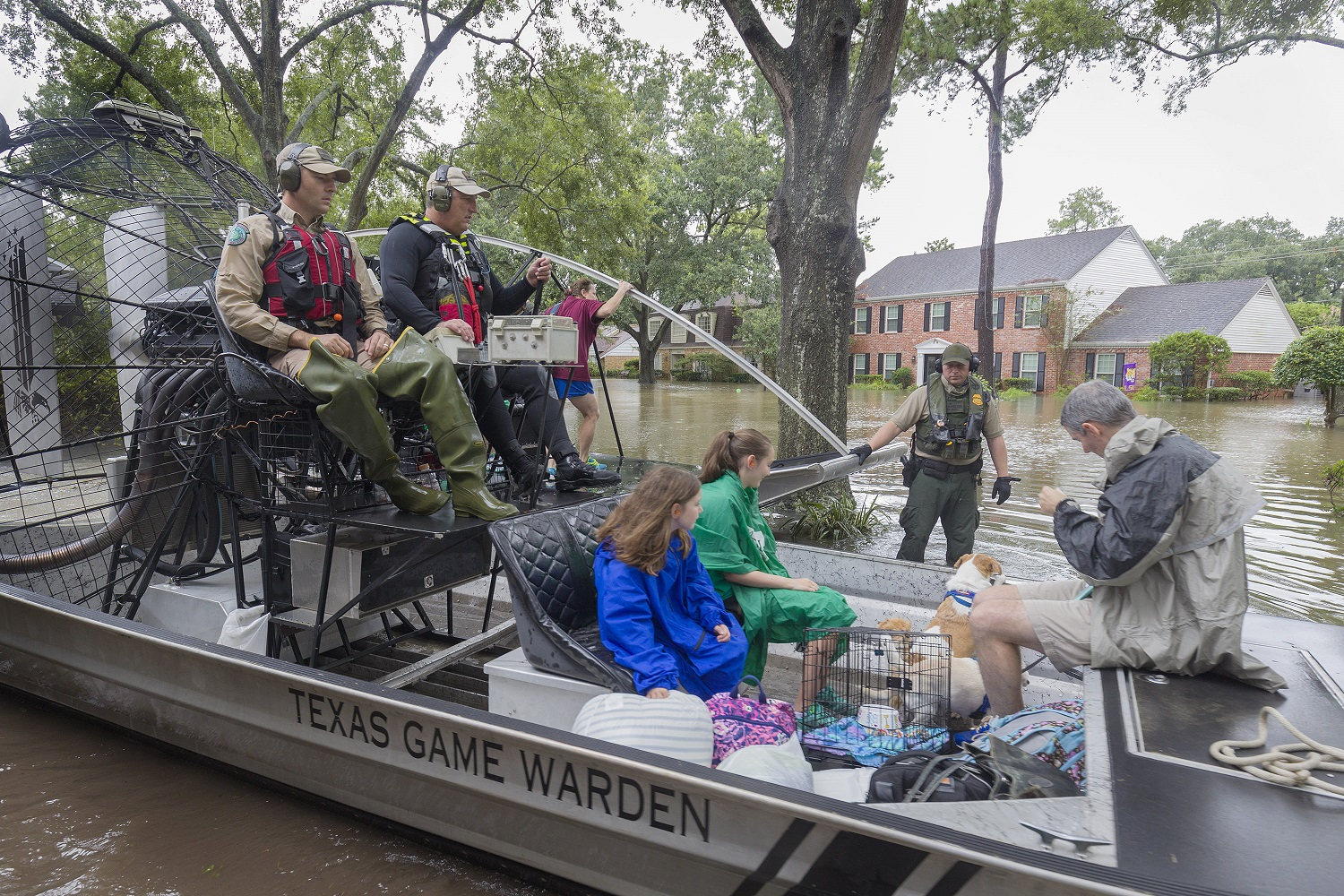 Game Wardens evacuating flood victims after Hurricane Harvey. Image by Earl Nottingham.